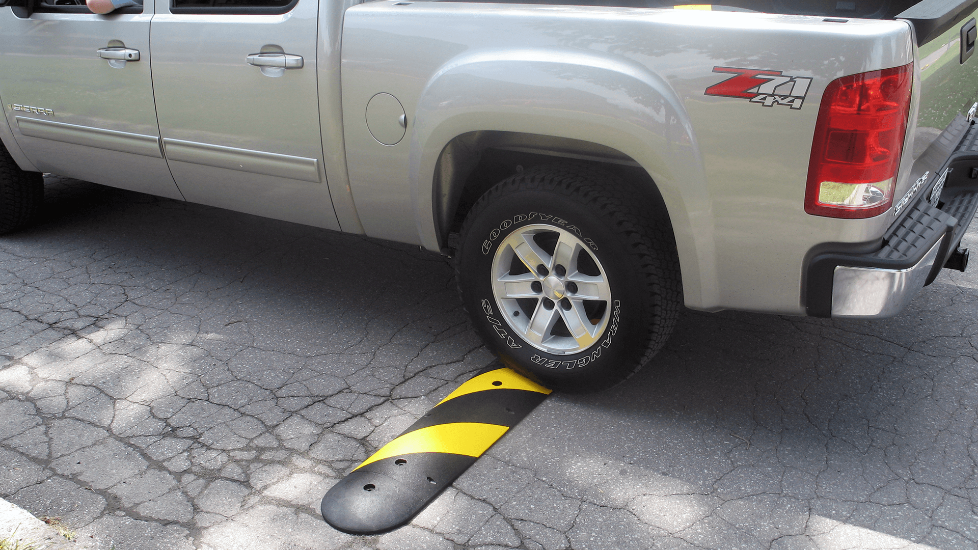 Checkers Safety Easy Rider® Recycled Rubber Speed Bumps