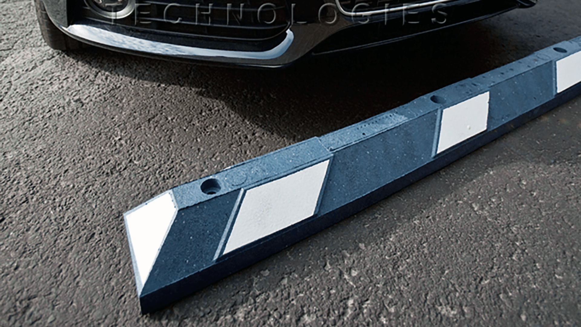 Checkers Safety Park-It­® Recycled Rubber Car Stop